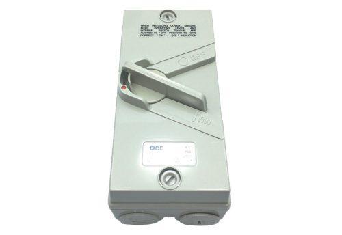 qce-weatherproof-isolator-switch-single-pole-phase-20amp-250v-ac-ip66-grey-qf1-20-1